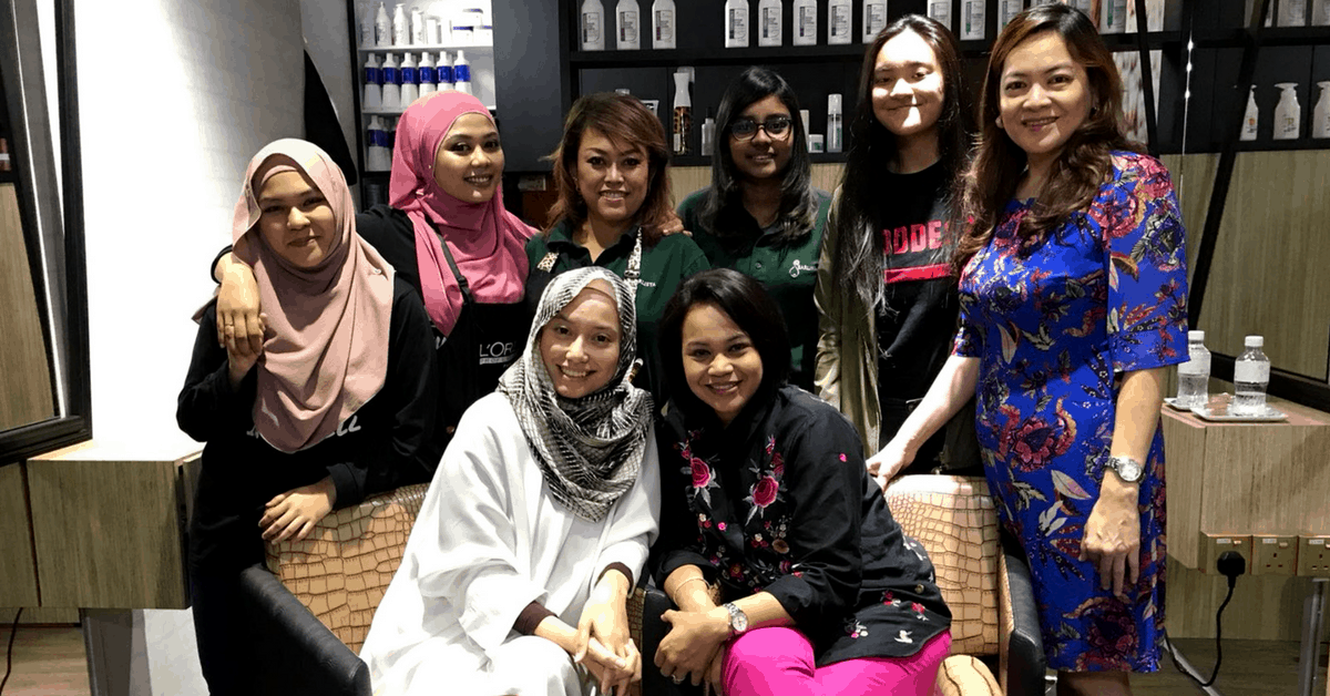 Despite Having To Learn From Scratch, This Celebrity Entrepreneur Now Runs A Salon For Hijab Wearing Ladies