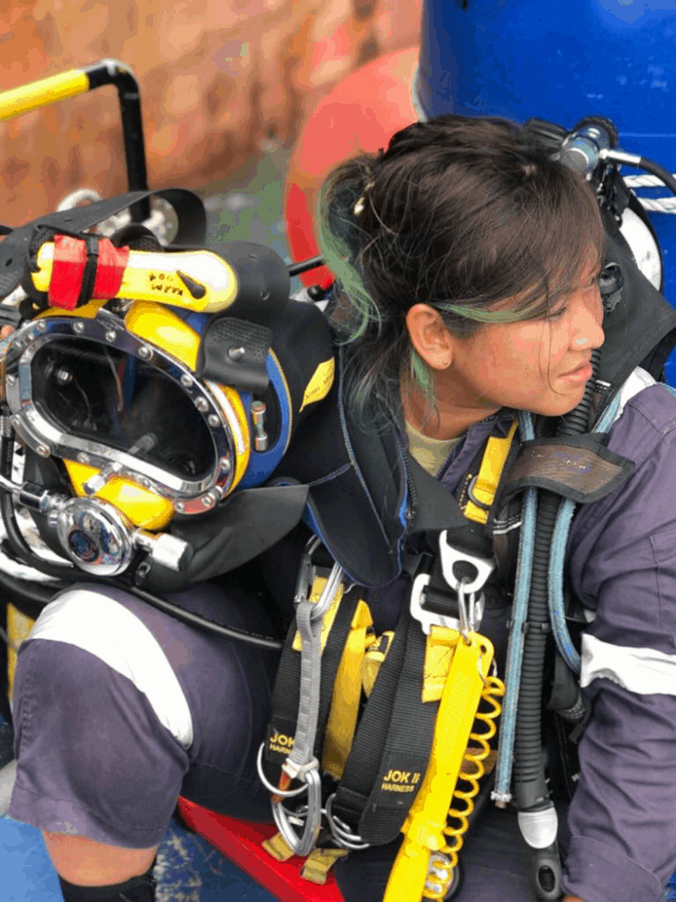 dd637c26f7 But being a diver is so much more than just jumping into the waters  everyday to work. The equipment that she s expected to put on could weigh  up to 50 ...